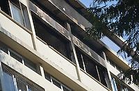 ATENCAO EDITOR: FOTO EMBARGADA PARA VEICULOS INTERNACIONAIS. - RIO DE JANEIRO, RJ,18 DE SETEMBRO 2012 - INCENDIO NA TIJUCA- Homem morre apos incendio em apartamento na Tijuca, o apartamento onde morava na Rua General Marcelino pegou fogo na madrugada desta quarta feira dia 18 de setembro, o morador tinha problemas de locomocao e nao conseguiu sair do imovel sofrendo queimaduras e inalando muita fumaca, na Tijuca, zona norte do Rio de Janeiro.(FOTO: MARCELO FONSECA / BRAZIL PHOTO PRESS).