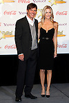 US actor Dennis Quaid receives the Male Star of the Year Award and poses with his wife Kimberly at the 2009 ShoWest Awards in Las Vegas, California 2 April 2009. The closing night ceremony for the 2009 ShoWest features top film industry talent at the final night banquet and awards ceremony.