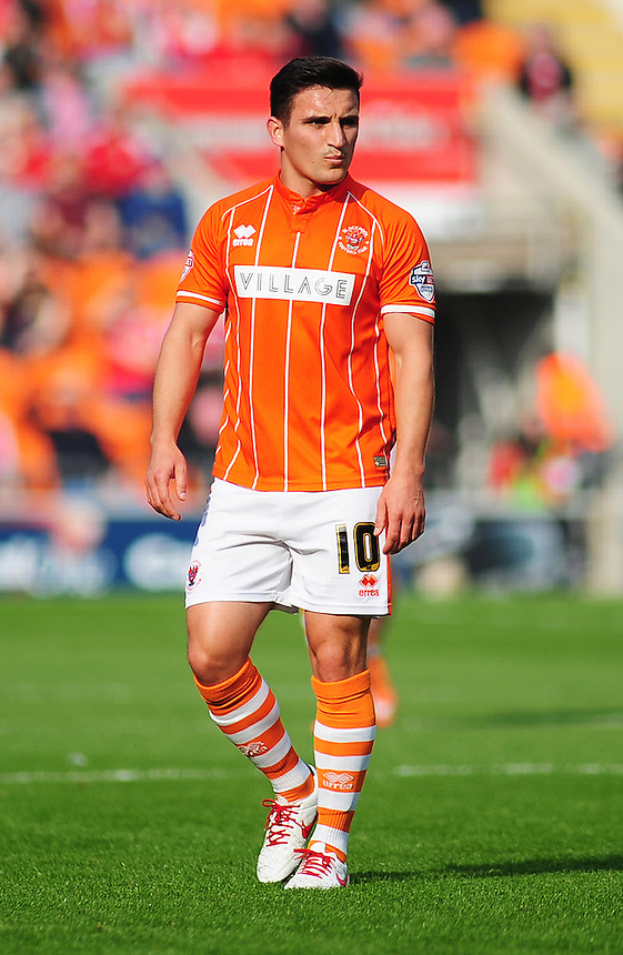 Blackpool's Jack Redshaw in action during todays match  <br /> <br /> Photographer Kevin Barnes/CameraSport<br /> <br /> Football - The Football League Sky Bet League One - Blackpool v Swindon Town - Saturday 3rd October 2015 - Bloomfield Road - Blackpool<br /> <br /> &copy; CameraSport - 43 Linden Ave. Countesthorpe. Leicester. England. LE8 5PG - Tel: +44 (0) 116 277 4147 - admin@camerasport.com - www.camerasport.com