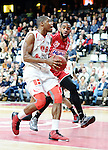 2015-10-31 / Basketbal / seizoen 2015-2016 / Antwerp Giants - Limburg United / Melsahn BASABE (l. Giants) met Stanton KIDD<br />