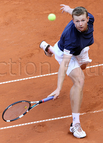 Kazakhstan's Andrey Golubev celebrates his victory over Austria's Juergen Melzer afetr their ATP German Open finals match at Rothenbaum club in Hamburg, Germany, 25 July 2010.