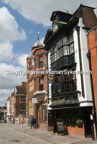 Guildford High Street, the Three Pigeons Public House. Surrey Uk.