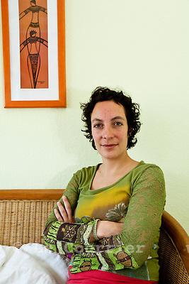 Genève, le 14.04.2010.Mme Sandra Muri, permanente de Viol-secours..© Le Courrier / J.-P. Di Silvestro