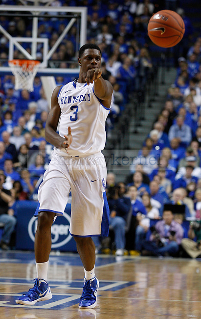 Terrence Jones makes a pass in the game against Marist College, at Rupp Arena, in Lexington, Ky., on Friday, Nov. 11, 2011. Photo by Latara Appleby | Staff ..
