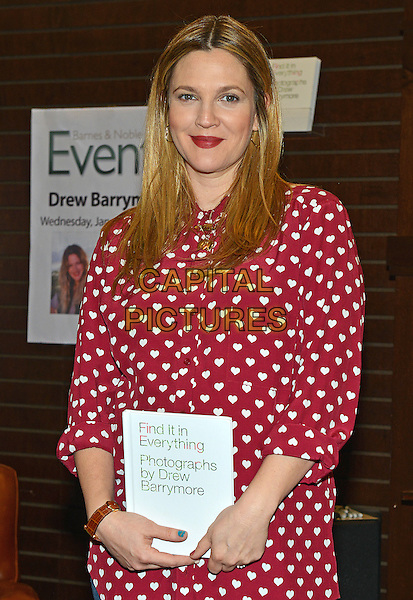 LOS ANGELES, CA - JANUARY 15  - Drew Barrymore. &ldquo;Find It In Everything&quot; book signing held at Barnes &amp; Noble at The Grove. <br /> CAP/ADM/CC<br /> &copy;CC/AdMedia/Capital Pictures