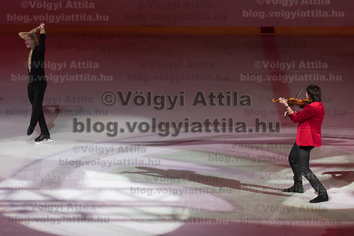 Olypmic and European champion figure skater Evgeny Plushenko (L) of Russia and Emmy-award winning violin player-composer musician Edvin Marton (R) of Hungary perform during the Kings on Ice skating show in Budapest, Hungary on April 29, 2018. ATTILA VOLGYI