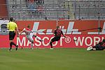 Rouwen HENNINGS (Fortuna Duesseldorf) schiesst das Tor zum 1-1,<br />Aktion,Torschuss,<br /><br />Fussball 1. Bundesliga, 33.Spieltag, Fortuna Duesseldorf (D) -  FC Augsburg (A), am 20.06.2020 in Duesseldorf/ Deutschland. <br /><br />Foto: AnkeWaelischmiller/Sven Simon/ Pool/ via Meuter/Nordphoto<br /><br /># Editorial use only #<br /># DFL regulations prohibit any use of photographs as image sequences and/or quasi-video #<br /># National and international news- agencies out #