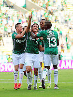 CALI - COLOMBIA -20-02-2016: los jugadores de Deportivo Cali celebran el gol anotado a Atletico Huila, durante partido entre Deportivo Cali y Fortaleza FC, por la fecha 45 de la Liga Aguila I-2016, jugado en el estadio Deportivo Cali (Palmaseca)  de la ciudad de Cali. /  The players of Deportivo Cali celebrate a scored goal to Atletico Huila, during a match between Deportivo Cali y Atletico Huila, for the date 5 of the Liga AguilaI-2016 at the Deportivo Cali (Palmaseca) stadium in Cali city. Photo: VizzorImage  / NR / Cont