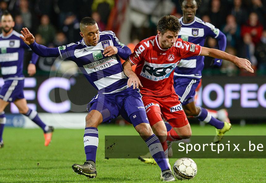 KV Kortrijk - RSC Anderlecht : duel tussen Youri Tielemans (links) en Stijn De Smet (r) <br /> Foto VDB / Bart Vandenbroucke