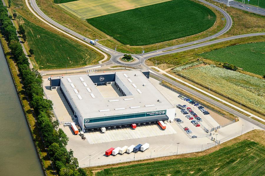 Nederland, Limburg, Gemeente Sittard-Geleen, 26-06-2014; PostNL,  Depot Born. Sorteer- en distributiecentrum voor pakketten<br /> Sorting and distribution center for parcels.<br /> luchtfoto (toeslag op standaard tarieven);<br /> aerial photo (additional fee required);<br /> copyright foto/photo Siebe Swart.