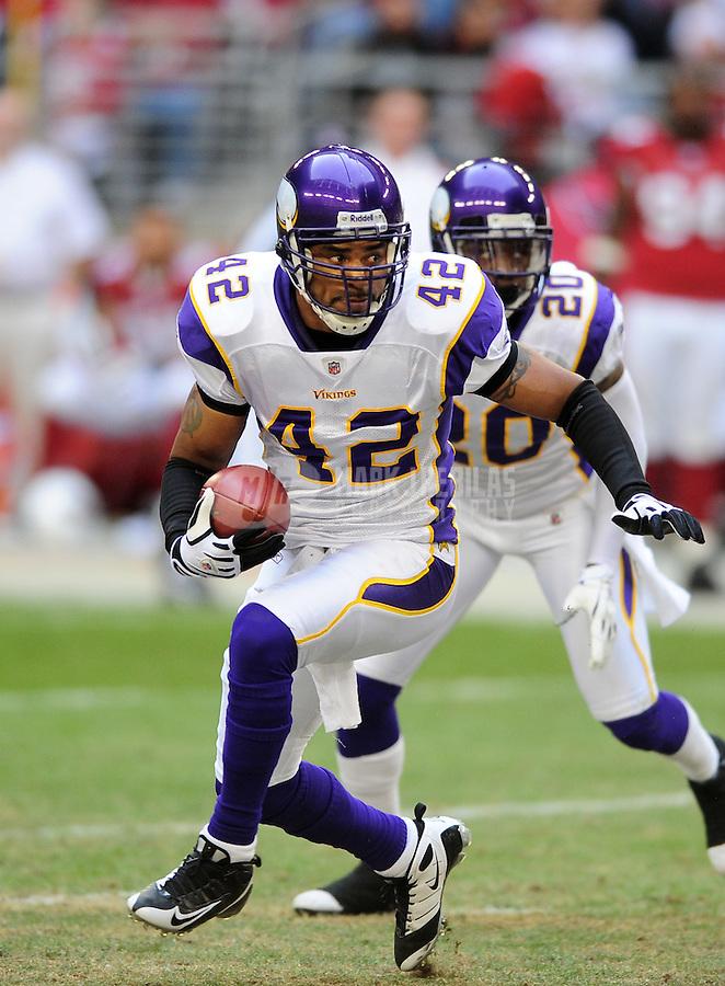 Dec. 14, 2008; Glendale, AZ, USA; Minnesota Vikings safety (42) Darren Sharper against the Arizona Cardinals at University of Phoenix Stadium. Mandatory Credit: Mark J. Rebilas-
