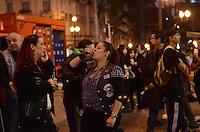 SAO PAULO, 13 DE JULHO DE 2012 - DIA DO ROCK - Movimentacao na Galeria do Rock, na rua 24 de maio, na regiao central, na noite desta sexta feira (13), dia do rock. FOTO: ALEXANDRE MOREIRA - BRAZIL PHOTO PRESS