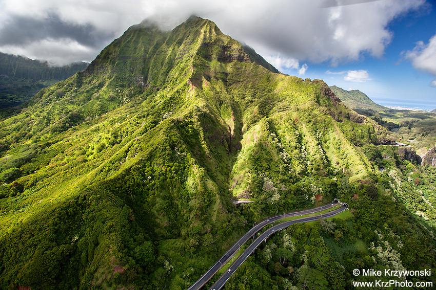 Aerial view of the Pali Hwy., Oahu