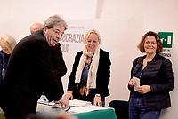 Roma, 30 Aprile 2017<br /> Paolo Gentiloni con la moglie Emanuela Mauro<br /> Voto Primarie Partito Democratico