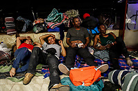 """Comedor Comunitario en la colonia San Luis de Hermosillo Sonora no se da abasto para atender a la Caravana del Migrante conformada por un contingente de 600 personas su mayoría de origen centroamericano, que arribo a Hermosillo a bordo del tren conocido como """"La Bestia"""", provienen de la frontera Sur del País y con rumbo a la ciudad de Mexicali donde continuaran el viaje hasta Tijuana.<br /> La caravana tiene como objetivo solicitar <br /> asilo a Estados Unidos y algunos integrantes piensan solicitar una visa humanitaria en Mexico para laborar en los campos de Sonora y Baja California.<br /> (Photo: NortePhoto/Luis Gutierrez)"""
