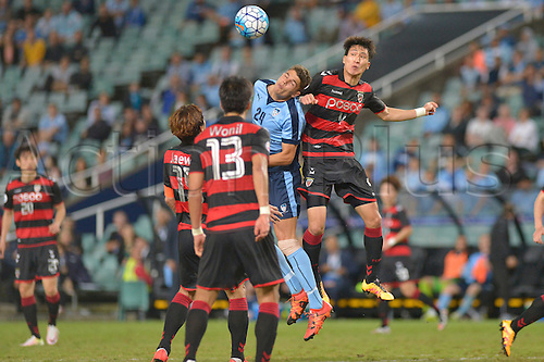 05.04.2016. Sydney Football Stadium, Sydney, Australia. AFC Champions League. Sydney versus Pohang Steelers. Sydney forward George Blackwood and Pohang midfielder Park Joon-hee contest a corner. Sydney won the game by a score of 1-0.