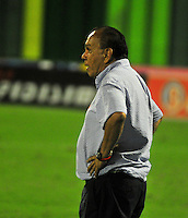 BARRANCABERMEJA- COLOMBIA - 27 - 05 -2016: Jorge Luis Bernal, técnico de Alianza Petrolera, durante partido Alianza Petrolera y Fortaleza FC, por la fecha 0 por la Liga Aguila I 2016 en el estadio Daniel Villa Zapata en la ciudad de Barrancabermeja. / Jorge Luis Bernal, coach of Alianza Petrolera, during a match between Alianza Petrolera and Fortaleza FC, for date 20 of the Liga Aguila I 2016 at the Daniel Villa Zapata stadium in Barrancabermeja city. Photo: VizzorImage  / Jose D Martinez / Cont.