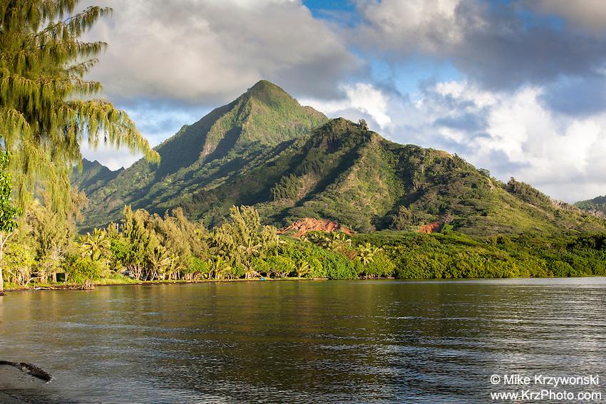 Ko'olau mountains along Kaneohe Bay, Waiahole, Oahu