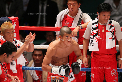 Koki Kameda (JPN), AUGUST 31, 2011 - Boxing : Koki Kameda of Japan in action against David De La Mora of Mexico during the WBA Bantam weight title bout at Nippon Budokan, Tokyo, Japan. Koki Kameda of Japan won the fight on points after twelve rounds. (Photo by Yusuke Nakanishi/AFLO SPORT) [1090]