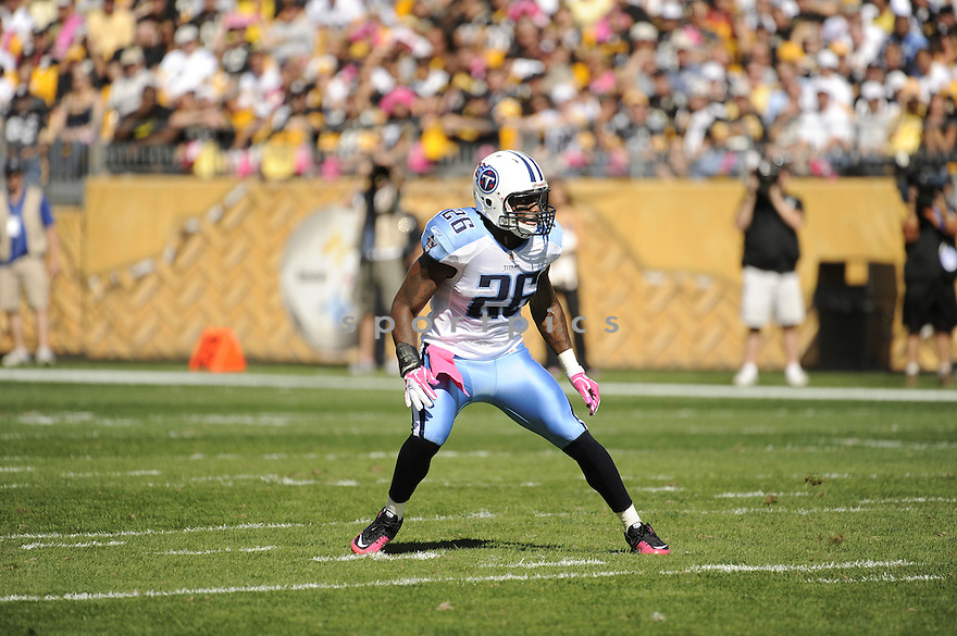 JORDAN BABINEAUX, of the Tennessee Titans, in action during the Titans game against the Pittsburgh Steelers on October 9, 2011 at Heinz Field in Pittsburgh, PA.The Steelers beat the Titans 38-17.