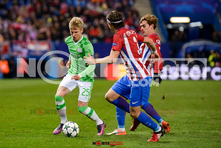 Atletico de Madrid's player Filipe Luis and Antoine Griezmann and PSV Eindhoven's players Olexandr Zinchenko during a match of La Liga at Vicente Calderon Stadium in Madrid. November 22, Spain. 2016. (ALTERPHOTOS/BorjaB.Hojas) //NORTEPHOTO