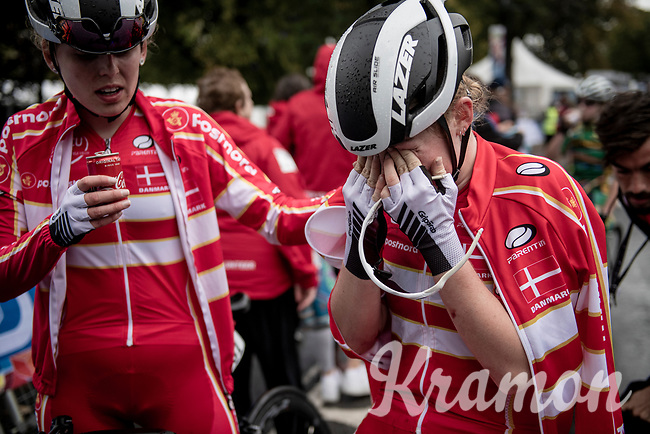 a late crash in the Junior Women road race finish straight made lots of victims and was resposible for lots of (decompression) emotions once behind the line...<br /> <br /> from Doncaster to Harrogate (86km)<br /> 2019 Road World Championships Yorkshire (GBR)<br /> <br /> ©kramon