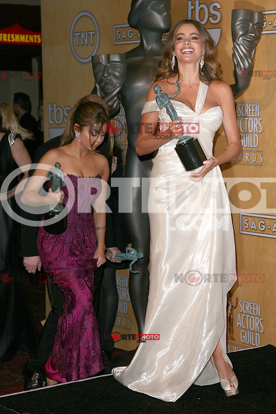 LOS ANGELES, CA - JANUARY 27: Sofia Vergara and Sarah Hyland in the press room at The 19th Annual Screen Actors Guild Awards at the Los Angeles Shrine Exposition Center in Los Angeles, California. January 27, 2013. Credit: mpi27/MediaPunch Inc. /NortePhoto /NortePhoto