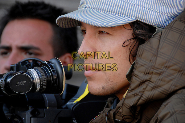 CARY FUKUNAGA (WRITER/DIRECTOR).on the set of Sin Nombre.*Filmstill - Editorial Use Only*.CAP/PLF.Supplied by Capital Pictures.