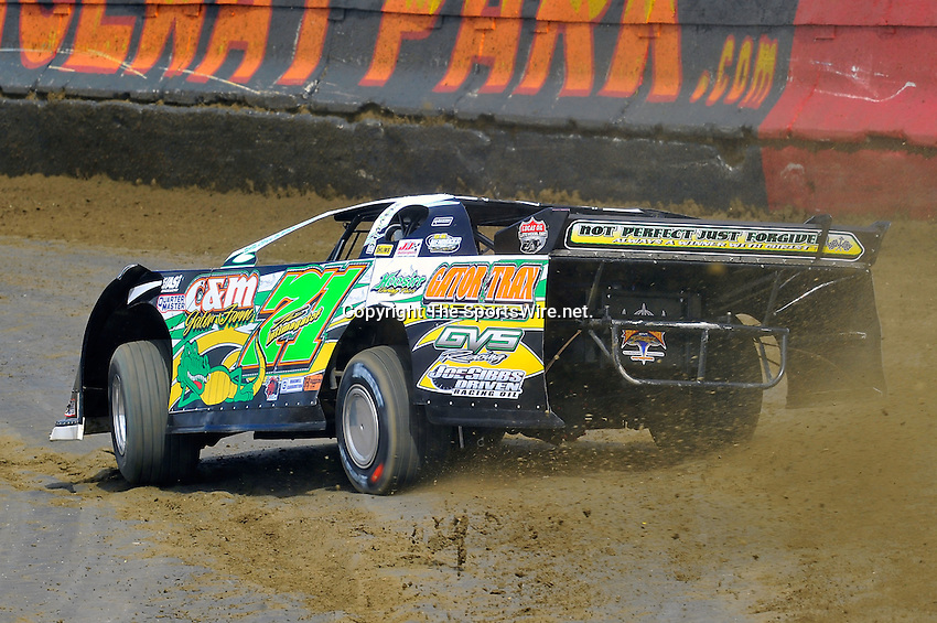 Feb 06, 2010; 1:10:07 PM; Gibsonton, FL., USA; The Lucas Oil Dirt Late Model Racing Series running The 34th Annual Dart WinterNationals at East Bay Raceway Park.  Mandatory Credit: (thesportswire.net)
