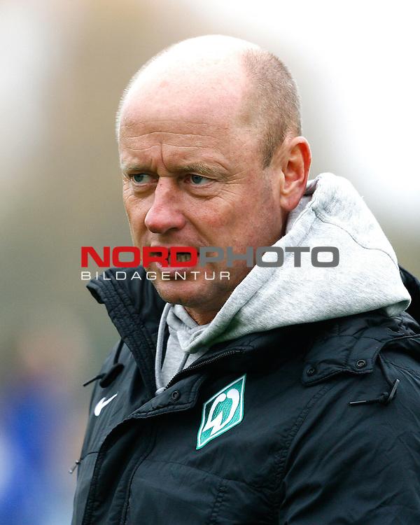 Steffen RAU, Trainer Werder Bremen, Portrait, Portr&auml;t, Einzelbild, hoch, Fu&szlig;ball, Frauen, Allianz-Frauen-Bundesliga Saison 2015/2016<br /> <br /> Foto &copy; nordphoto /  H.Konkel