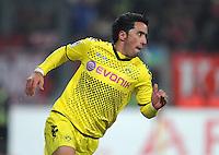 FUSSBALL   1. BUNDESLIGA  SAISON 2011/2012   20. Spieltag 1. FC Nuernberg - Borussia Dortmund         03.02.2012 JUBEL nach dem Tor zum 0:2 Lucas Barrios (Borussia Dortmund)