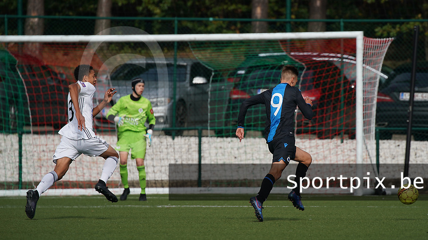 20191005: OUD HEVERLEE: Club Brugge's Lennert Hallaert is pictured launching an attack during the Belgian Elite Youth U18 league competition match between Oud Heverlee Leuven U18 and Club Brugge U18 on 05th October 2019 at Korbeekdamstraat, Oud-Heverlee, Belgium PHOTO SPORTPIX.BE | SEVIL OKTEM