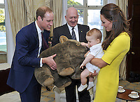 Prince George receives a giant wombat - Australia