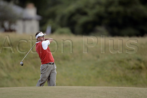 16 July 2005: Australian golfer Robert Allenby (AUS) playing a wood from the fairway during the 3rd round. Allenby shot an even par 72 to be 4 under after three rounds in the Open Championship, The Old Course at St Andrews, Scotland. Photo: Glyn Kirk/Actionplus...golf player 050716