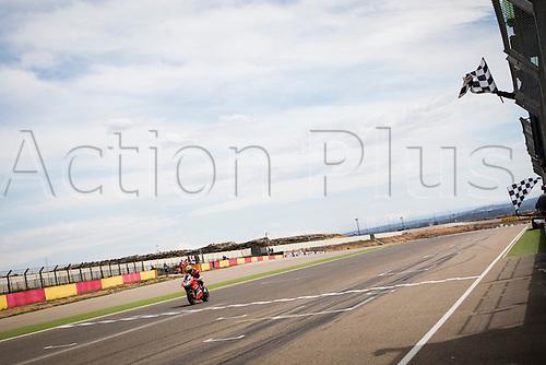 03.04.2016. Motorland, Aragon, Spain, World Championship Motul FIM of Superbikes. Chaz Davies #7, Ducati 1199 Panigale R rider of Superbike win the Race  in the World Championship Motul FIM of Superbikes from the Circuito de Motorland.