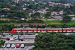 Trem da CPTM na Marginal do Rio Pinheiros, Sao Paulo. 2018. Foto de Juca Martins.