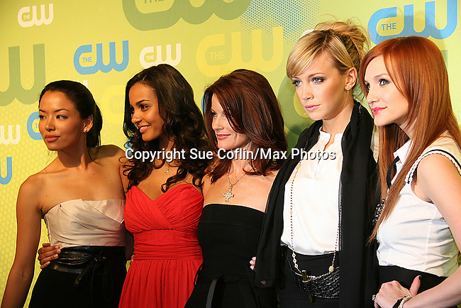 Melrose Cast - Stephanie Jacobsen - Jessica:icas - Laura Leighton - Katie Cassidy - Ashlee Simpson-Wentz at the CW Upfront 2009 on May 21, 2009 at Madison Square Gardens, New York NY. (Photo by Sue Coflin/Max Photos)