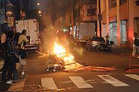SÃO PAULO, SP,09 FEVEREIRO 2012-Policia Militar chega para comprir uma Reintegracao de posse do Predio na Rua Cons Nebias com Rua Vitoria no centro de Sao Paulo.(FOTO: ADRIANO LIMA - NEWS FREE).
