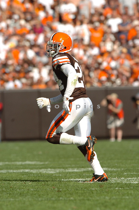 ERIC WRIGHT, of the Cleveland Browns, in action during the Browns games against the Baltimore Ravens , in Cleveland, OH on September 30, 2007.  ..The Browns won the game 27-13...COPYRIGHT / SPORTPICS..........