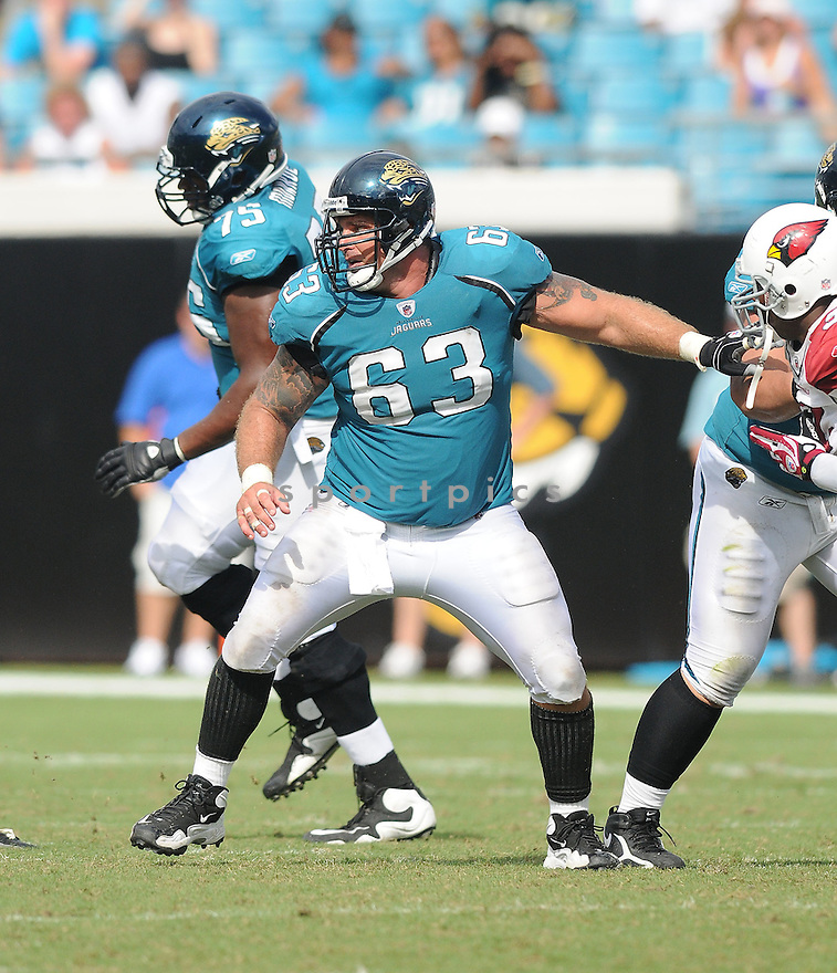 BRAD MEESTER,of the Jacksonvile Jaguarss , in action during the Jaguars game against the Arizona Cardinalss on September 20, 2009 Jacksonvile, FL.  The Cardinals beat the Jaguars 31-17.