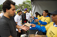 SÃO PAULO, SP - 22.09.2013 - VIRADA ESPORTIVA 2013 SÃO PAULO SKATE RUN - Movimentação durante o Skate Run da virada esportiva, na Praça Charles Miller, a Virada Esportiva 2013 teve início neste sábado (21) e termina as 18hs desse domingo (22). (Foto: Marcelo Brammer/Brazil Photo Press)