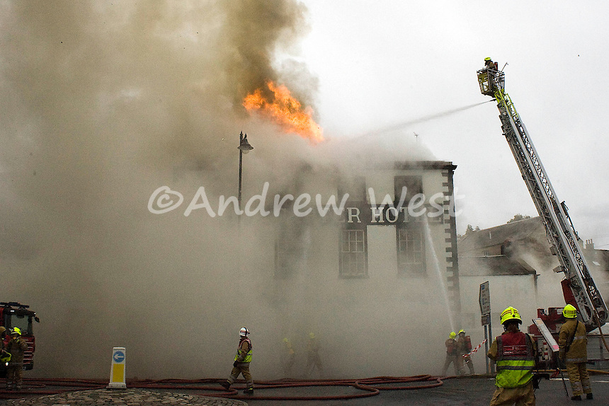 A huge fire engulfs the iconic star and garter hotel in Linlithgow.this morning...Single Use Only.