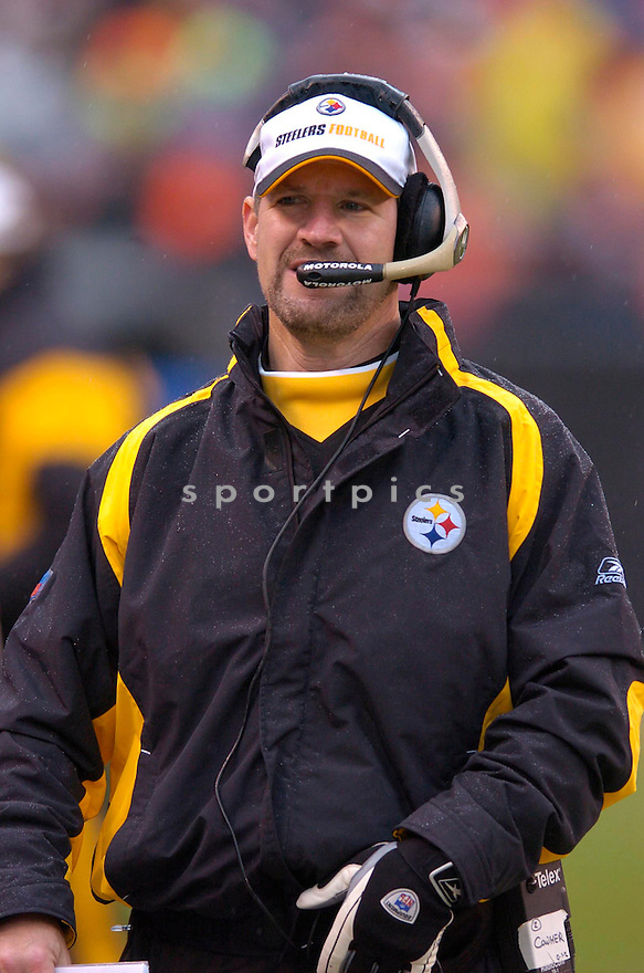 BILL COWHER, of the Pittsburgh Steeler, in action against the Cleveland Browns on November 12, 2006, in Cleveland, OH..Steelers win 24-20..Chris Bernacchi / SportPics