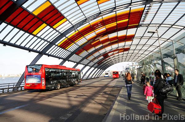 Het nieuwe busstation bij Amsterdam Centraal