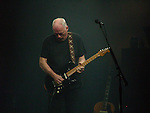 David Gilmour 2006 Universal Ampitheater, Los Angeles, CA.  Richard Wright on keyboards