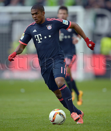 27.02.2016. Wolfsburg, Germany.  Munich's Douglas Costa in action during the German Bundesliga football match between VfL Wolfsburg and FC Bayern Munich at the Volkswagen-Arena in Wolfsburg, Germany