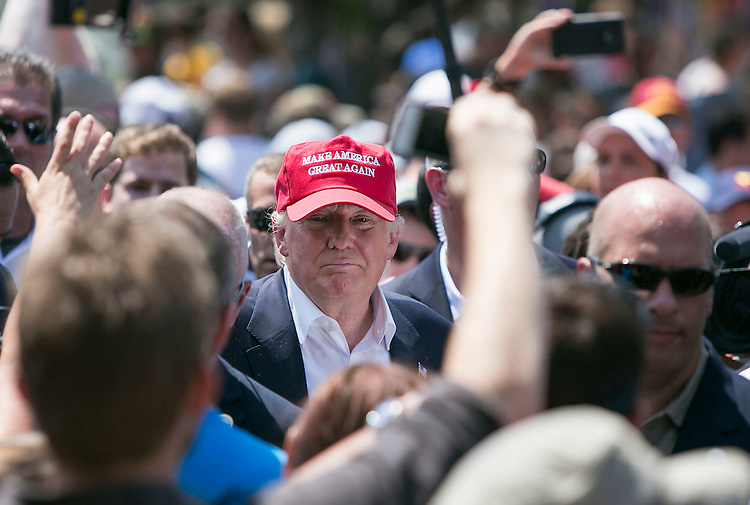 UNITED STATES - August 15: Republican presidential candidate Donald Trump greets fairgoers as he visits the Iowa State Fair in Des Moines, Iowa, on Saturday, August 15, 2015. (Photo By Al Drago/CQ Roll Call)