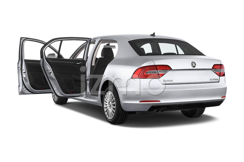 Car images of a 2014 Skoda SUPERB Active 5 Door Hatchback 2WD Doors