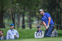 Marc Leishman (AUS) chips on to 11 during round 2 of the World Golf Championships, Mexico, Club De Golf Chapultepec, Mexico City, Mexico. 3/2/2018.<br /> Picture: Golffile | Ken Murray<br /> <br /> <br /> All photo usage must carry mandatory copyright credit (&copy; Golffile | Ken Murray)