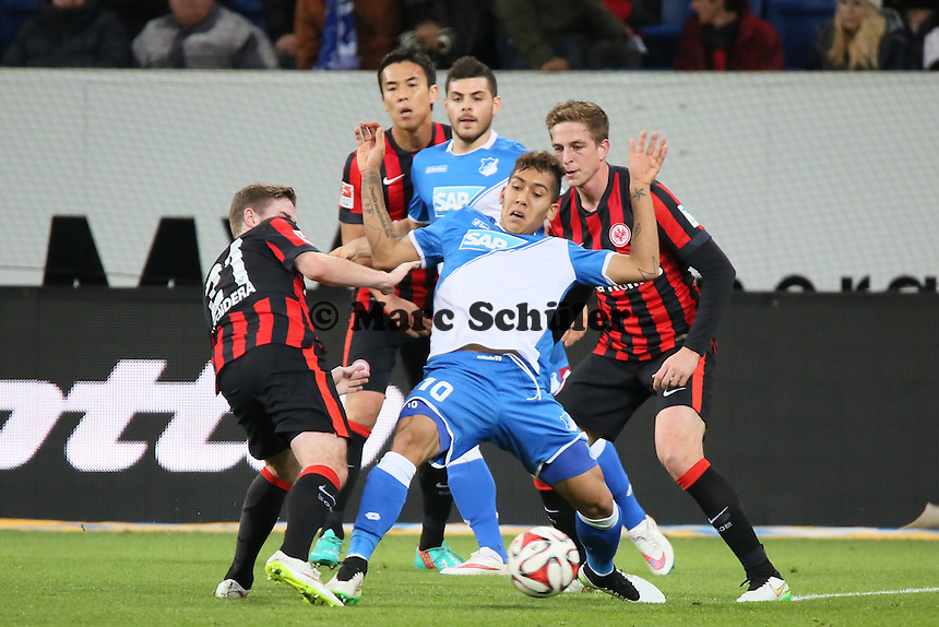 Roberto Firmino (Hoffenheim) gegen Marc Stendera und Bastian Oczipka (Eintracht) - TSG 1899 Hoffenheim vs. Eintracht Frankfurt, WIRSOL Neckar Arena Sinsheim